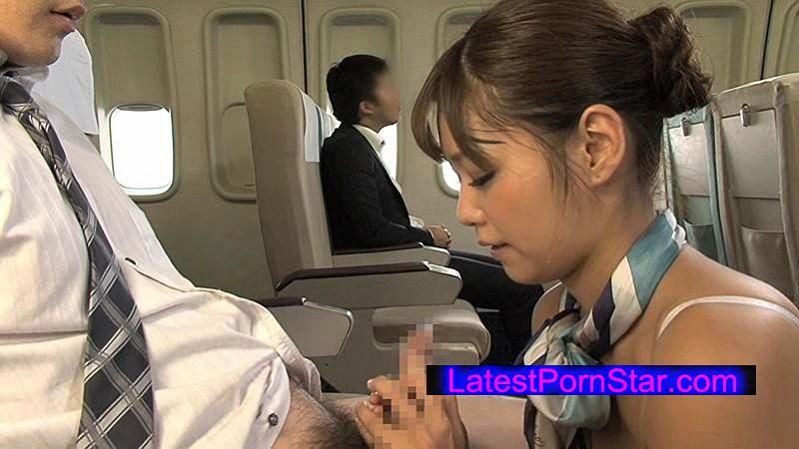 [SDDE-374] 「制服・下着・全裸」でおもてなし またがりオマ○コ航空 3