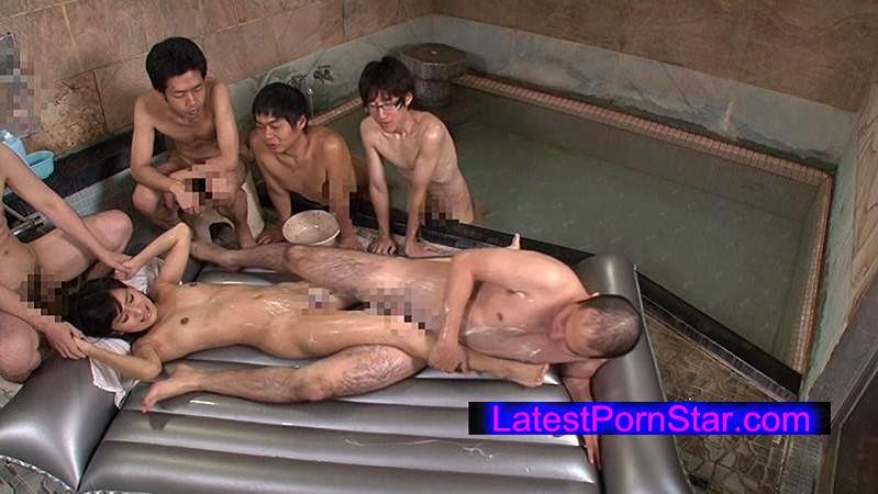 [IENE-517] 顔出し素人娘が混浴露天風呂で初めてのヌルヌル泡泡ち○ぽ洗い体験