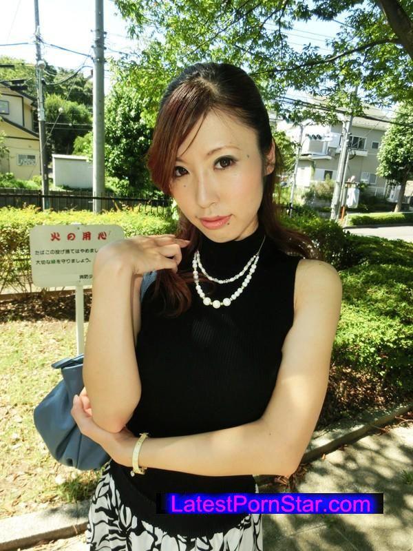 [KKBW-001] 巨乳淫乱の美脚婦人