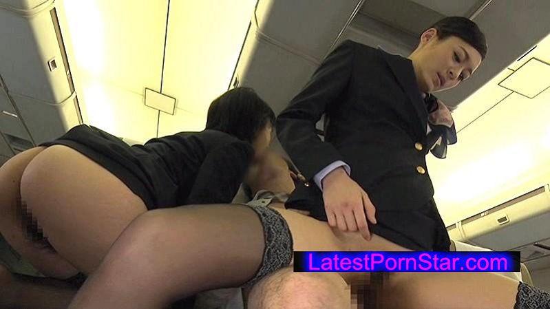[SDDE-393] 「制服・下着・全裸」でおもてなし またがりオマ○コ航空 4 逆3Pサービス便