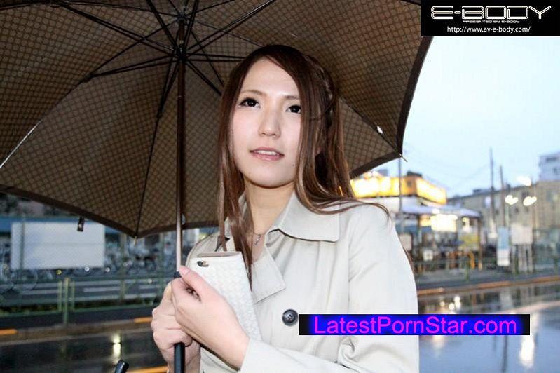 [EYAN-016] 初撮り 現役レースクイーン人妻