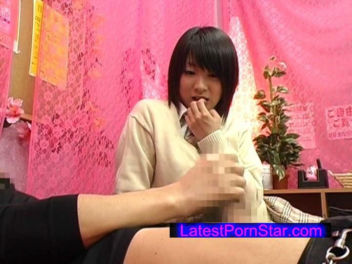 [AEDS-150] 女子●生をナンパして個室ビデオで一緒にAV観賞をしたら発情して本番ヤレるのか !?
