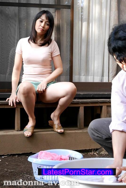 [OBA-192] ノーパンで僕を誘惑する隣の奥さん 安野由美