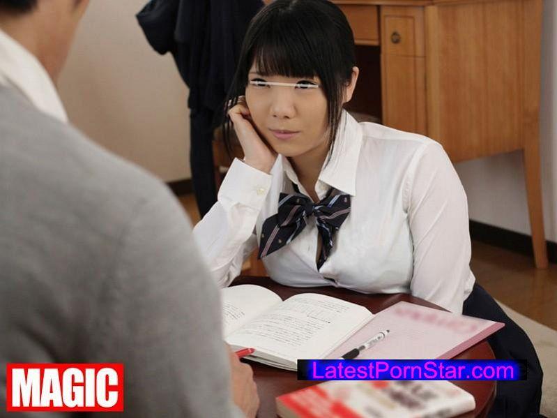 [DEP-003] 「乳休め」は欲求不満のサイン!?巨乳をアピールして男を誘惑する女たち