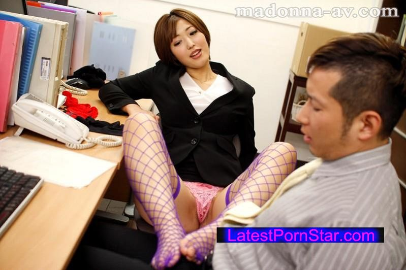 [JUX-626] 女上司の誘惑〜年下男を弄ぶ美熟女の淫猥絶頂〜 水野朝陽