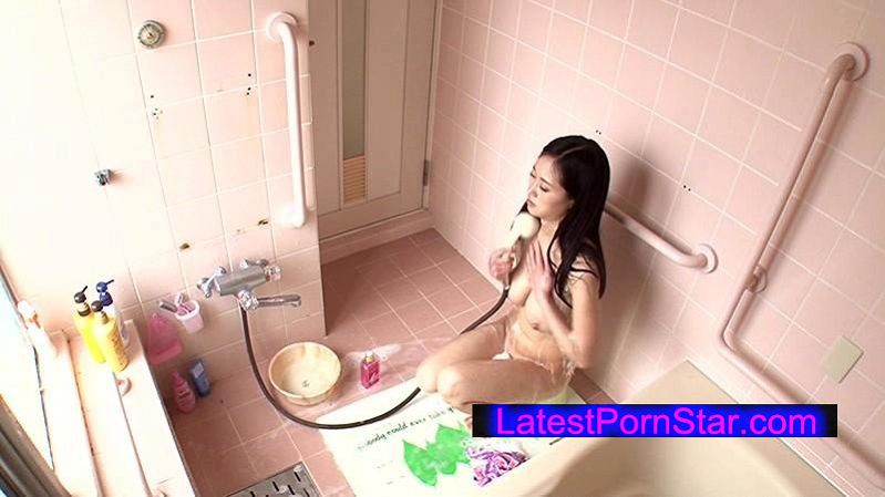 [NHDTA-689] 浴室の扉を開けたら清楚なお姉ちゃんがオシッコ中! 初めて見た姉のオマ○コに欲情した弟は抑えがきかず禁断の近親相姦 3