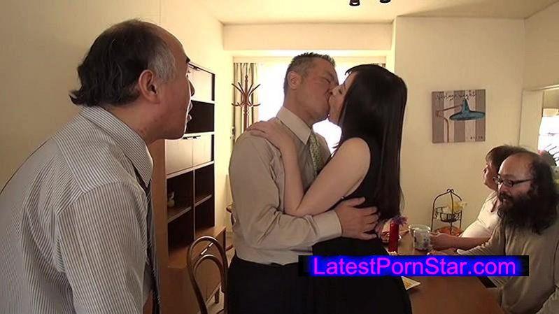 [NITR-139] 美少女と中年オヤジたちのねっとり集団べろキス性活 鈴原エミリ