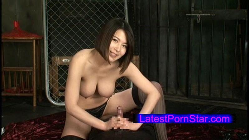 [XRW-073] 手コキ女王様 松島れん 優しく見つめながら猛烈コキ地獄!