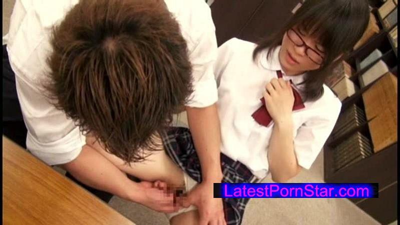 [MUGON-112] 無言作品集 19 女子校生のスカートの中を偶然目にして…