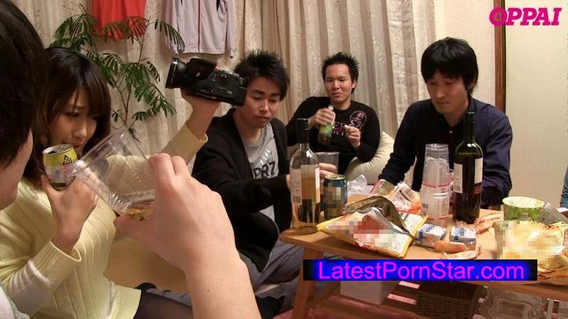 [PPPD-389] 日本一チャラいテニスサークル所属 巨乳女子大生の宅飲み即マンパーティー 徳永亜美
