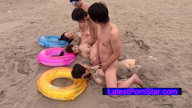 [RCT-752] ビーチの砂浜が新パネル スケベな親子が海でエッチなゲーム一転知らずに近親相姦 息子なら母親の裸当ててみて!