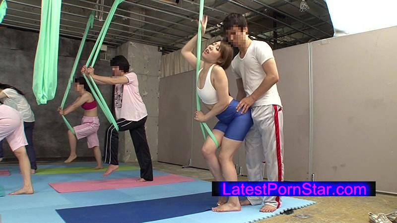 [DANDY-444] 「空中ヨガ教室で女性用バイ○グラを飲まされ無重力状態で何度も空中イキするガンギマリ妻」VOL.1