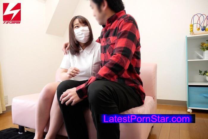 [NNPJ-096] 「そこの白衣の天使さん!マスク越しで構いませんから童貞くんの射精のお手伝いをしてくれませんか?」自慢のおっぱいでパイズリ挟射!してもらうつもりが、優しすぎて童貞喪失筆おろしセックス!までしてくれました。Vol.5