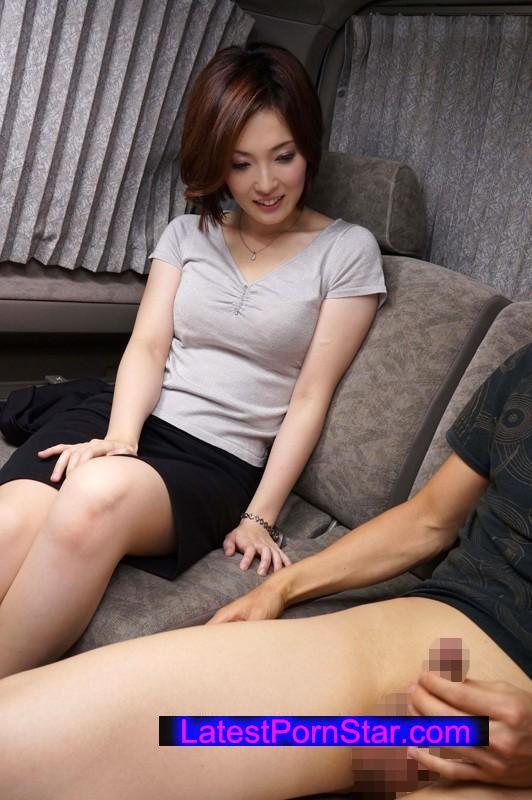 [SHE-209] センズリ鑑賞会 恥じらい素人娘に見せつけちゃいました 23