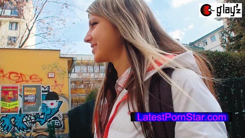 [AVOP-158] 世界が認めるNO.1金髪ロリ女優 ロシアのパイパン美妖精 アナル大量中出しアクメSEX GinaGerson