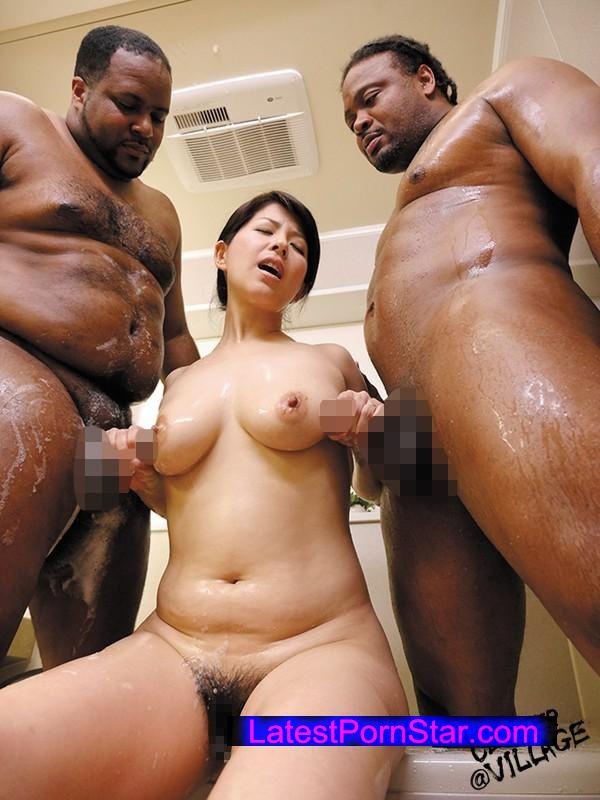 [AVOP-183] デカマラ黒人の衝撃に濡れる淫乱妻 笹山希