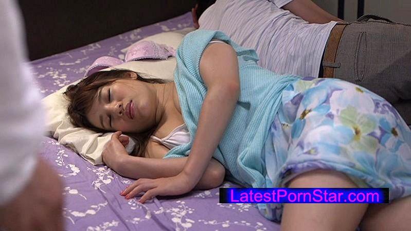 [FSET-571] パンシミさせながら寝ている親友の巨乳彼女を寝取った俺
