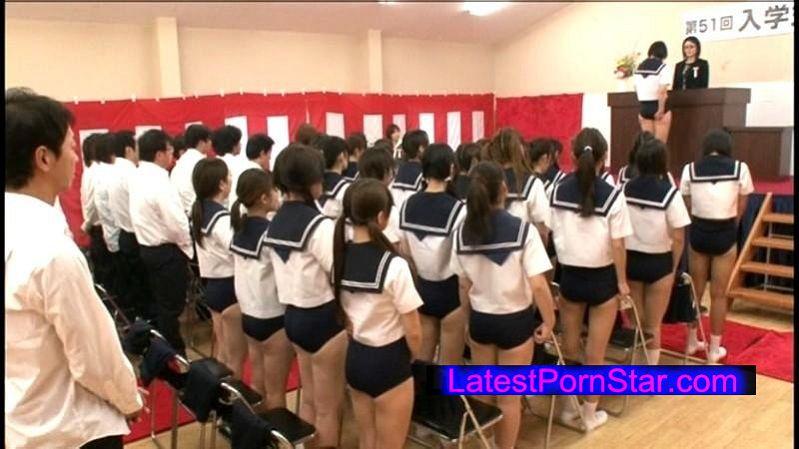 [DVDES-403] ブルマ入学式 〜新たなスタートを切る初々しくて恥ずかしがり屋なブルマ入学生一同〜