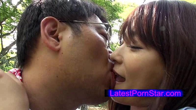 [KSD-025] 旅先でなら、人目を気にせず、接吻できる…。 かすみ果穂