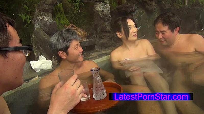 [NATR-497] 夫婦で温泉旅行 夫が近くに居るのに痴漢される私は戸惑いながらもオマ●コはズブ濡れ!寝取られる興奮に何度もイッてしまいました 京野美麗