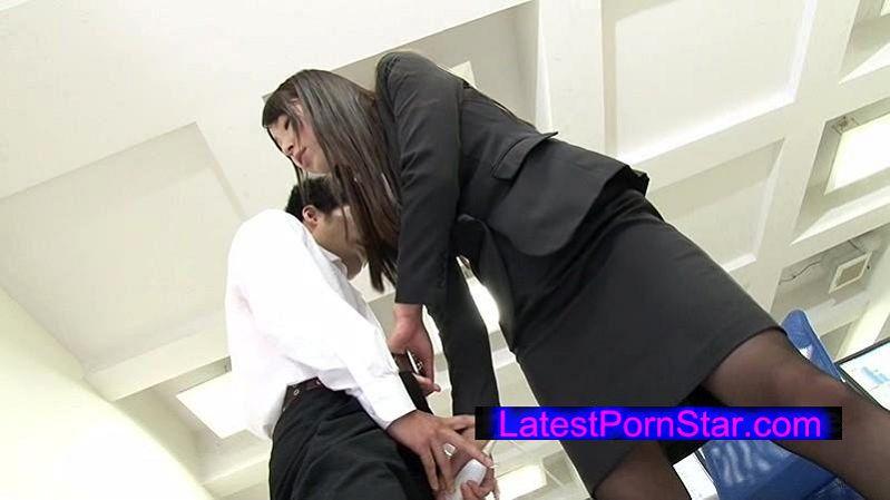 [NFDM-424] 高身長女教師の長い脚でシゴかれて