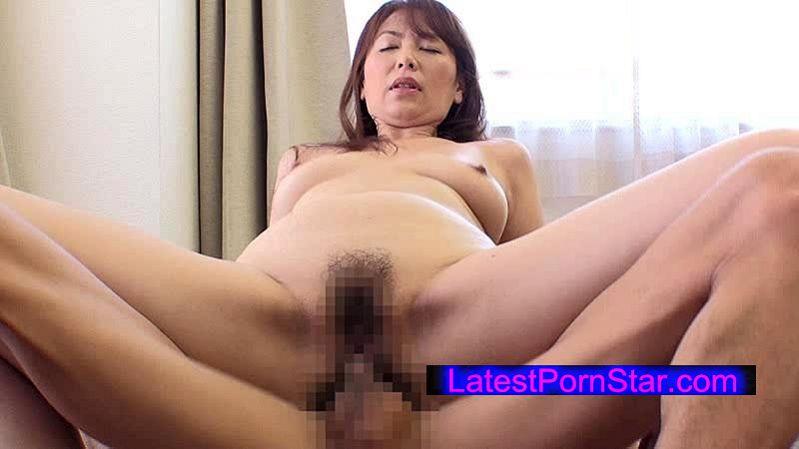 [HDKA-064] はだかの主婦 調布市在住 翔田千里(47)
