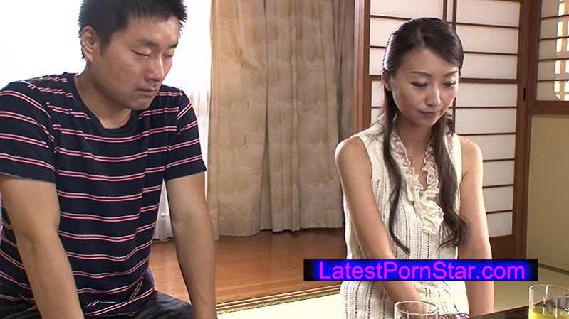[VEC-179] 母親の再婚 僕の親友と結婚した母 青木玲