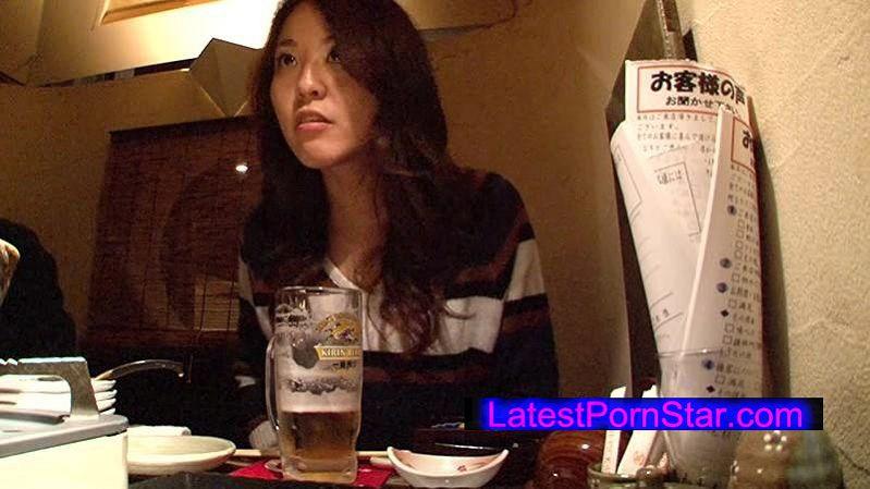 [HAWA-059] 地元で初撮り 夫以外の初中出し 狂ったような騎乗位で腰を振り何回もイキまくる8頭身の秋田美人妻 みずはさん32歳