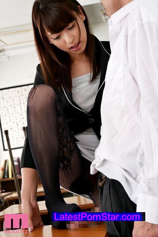 [MIDE-312] タイトスカート女教師 秋山祥子