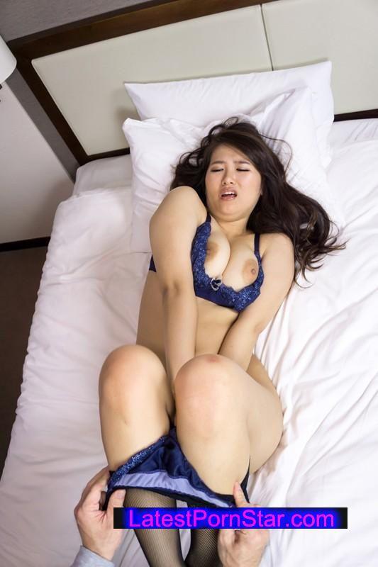 [SHE-270] おばチラGET 実在する無垢な熟女の恥じらいEXPRESS 11