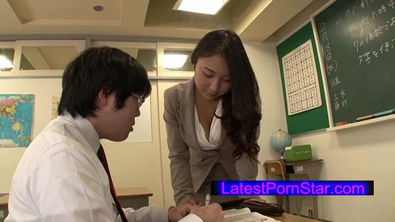 [GS-025] 放課後の教室でセクハラ指導に発情してしまったソソる巨乳教育実習生