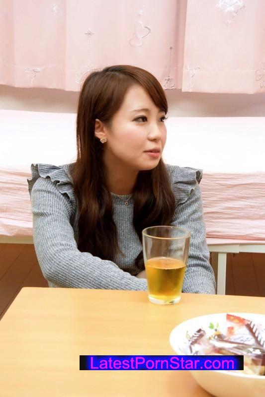 [NANX-075] 百合川さらの突撃レズナンパ!2街ゆく素人娘を喰い比べ!!