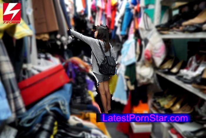 [NNPJ-145] 女監督・真咲南朋のレズHunt!ターゲットは素人ノンケ女子コスプレイヤー「費用は全て持つので写真撮らせてください!」とレイヤー御用達のレンタル衣装屋で声をかけ、初対面同士の女の子たちをノリにノセて本気のレズビアンSEXまでさせちゃいました!