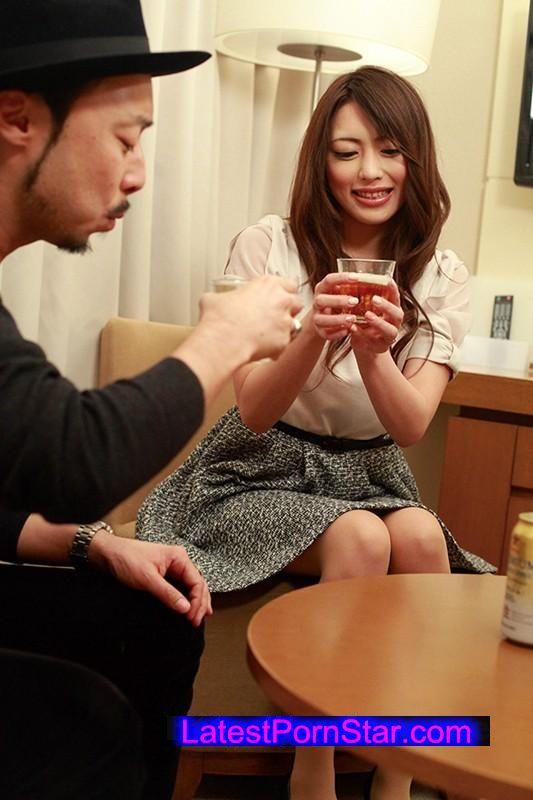 [SHE-279] 普通の人妻 新婚さんなのに中出しされちゃった、ほんとはエッチに臆病だったけど、感じ始めたら関西弁のあえぎ声がエッチすぎる、透き通るような肌の綾瀬あゆさん25歳、人妻の実態。