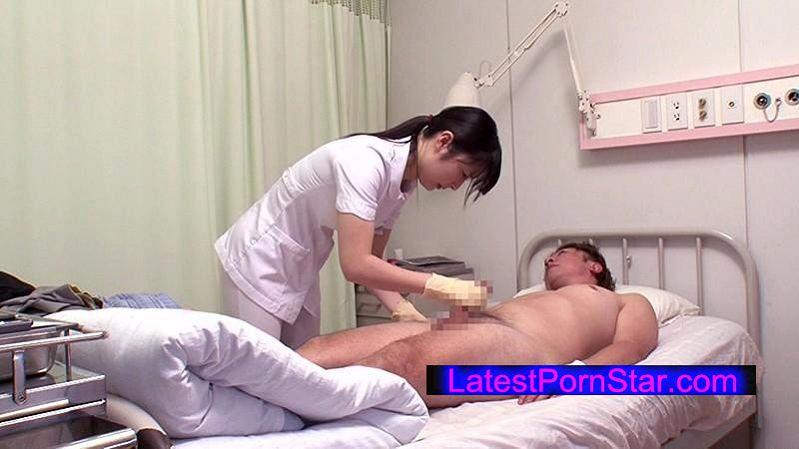[DANDY-482] 「看護師にせんずりを見せつけたらヤれたが…同僚にバレてしまい怒られるかと思ったら2人で一緒にヤってくれた」VOL.1