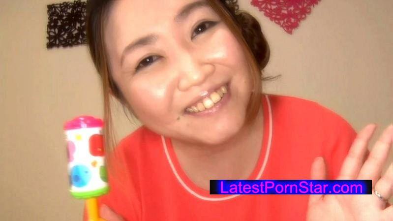 [MOT-149] 爆乳パイパンママ M息子たちの赤ちゃんプレイ願望 圧巻の豊満ボディー!癒し系ママ めぐみさん 38歳 Kカップ(120cm)