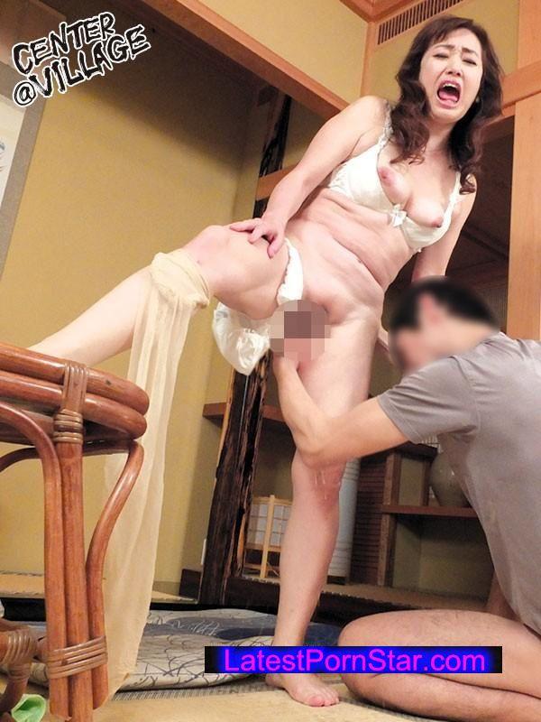 [SKKK-20] 隣の息子に言い寄られうまい具合に手籠めにされた五十路妻 山本麗子