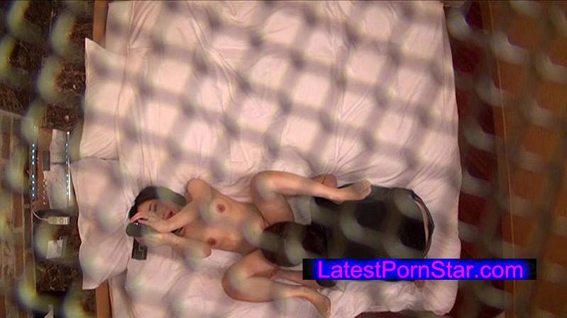 [DANDY-491] 絶対に中出しできない不倫カップルで検証!若い男と不倫するおばさん妻にセックス中に必ず破けるコンドームを使わせたら中出しまでしてしまうのか?