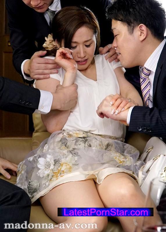 [JUX-869] 人妻がハマる輪姦オフ会 白石すみれ