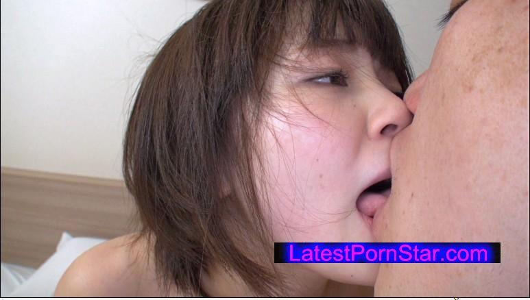 [MDTM-126] 軟禁凌辱しようとしたのにそれをノリノリで楽しむドM美少女 埴生みこ