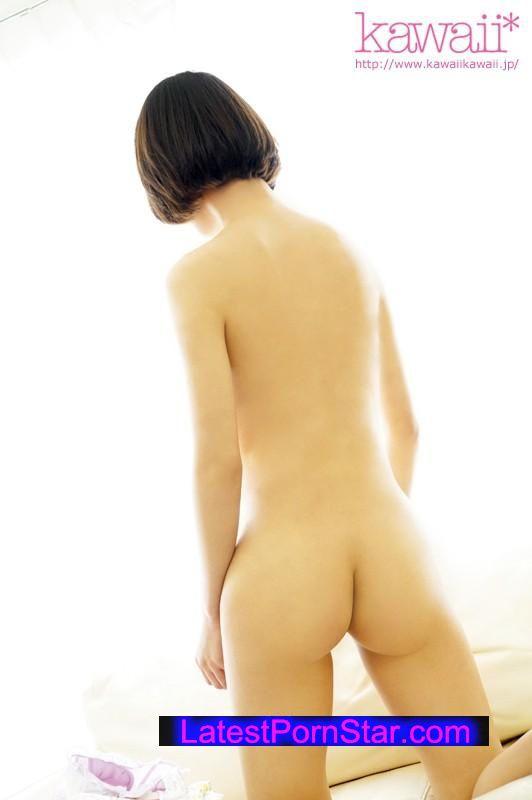 [KAWD-726] kawaii*専属デビュー 正真正銘うぶ娘 AV史上もっとも緊張しながらカメラの前で披露した初SEX 小池里菜
