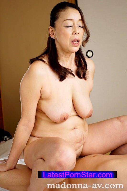 [OBA-261] 僕をこっそり誘惑する親戚のマリおばさん 青井マリ