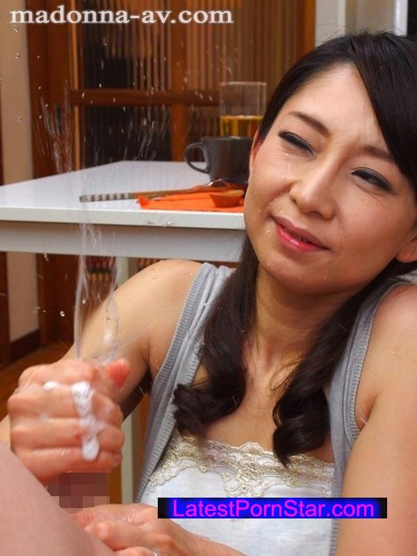 [OBA-265] 久しぶりに会った叔母さんが、凄テクで僕を勃起させて即挿入! 香取さやか