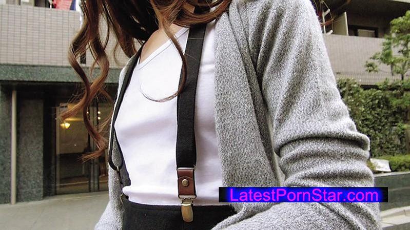 [SABA-205] 貧乳にサスペンダーをつけている女子は小さな胸ゆえに感度が凝縮されていて、「乳首が擦れて気持ちいい…」と密かに思っている!街で見つけた超プレミア級貧乳女子2人で徹底実証!!