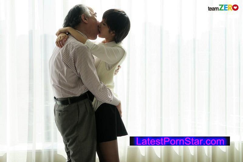 [TEAM-094] 中年オヤジを骨抜きにする援交美少女の変態セックス 湊莉久