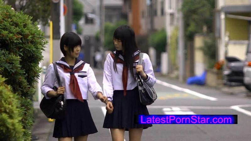 [AUKG-345] 幼なじみ女子校生 家出レズ なつめ愛莉 紗藤まゆ