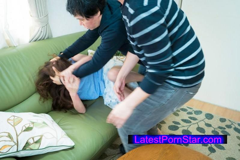 [EQ-297] 狙った熟女の自宅に押し入り性的暴行!連続生中出し