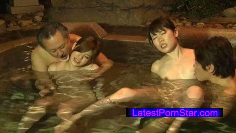 [JOHS-026] 頭は真っ白、イキまくりの2泊3日! 初めてのスワップ温泉旅行 巨乳の俺カノと、●児体型の友カノを交換して泥酔セックス