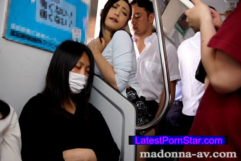 [JUX-977] 人妻看護師痴漢電車〜快感に溺れる恥辱の車内羞恥奉仕〜 神納花