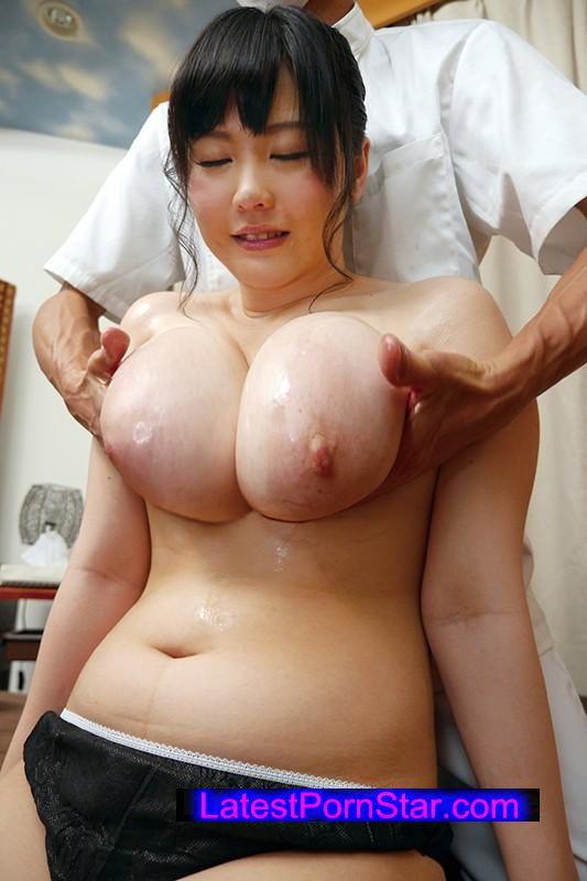 [UMSO-099] 爆乳女子特有の肩こりの悩みを解決する!?マッサージ店のおっぱいもみほぐし治療!!
